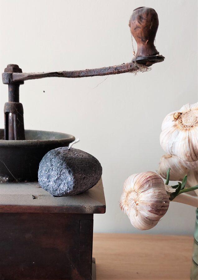 Olīši vai akmens sveces, augu stearīns, mazs - kastītē