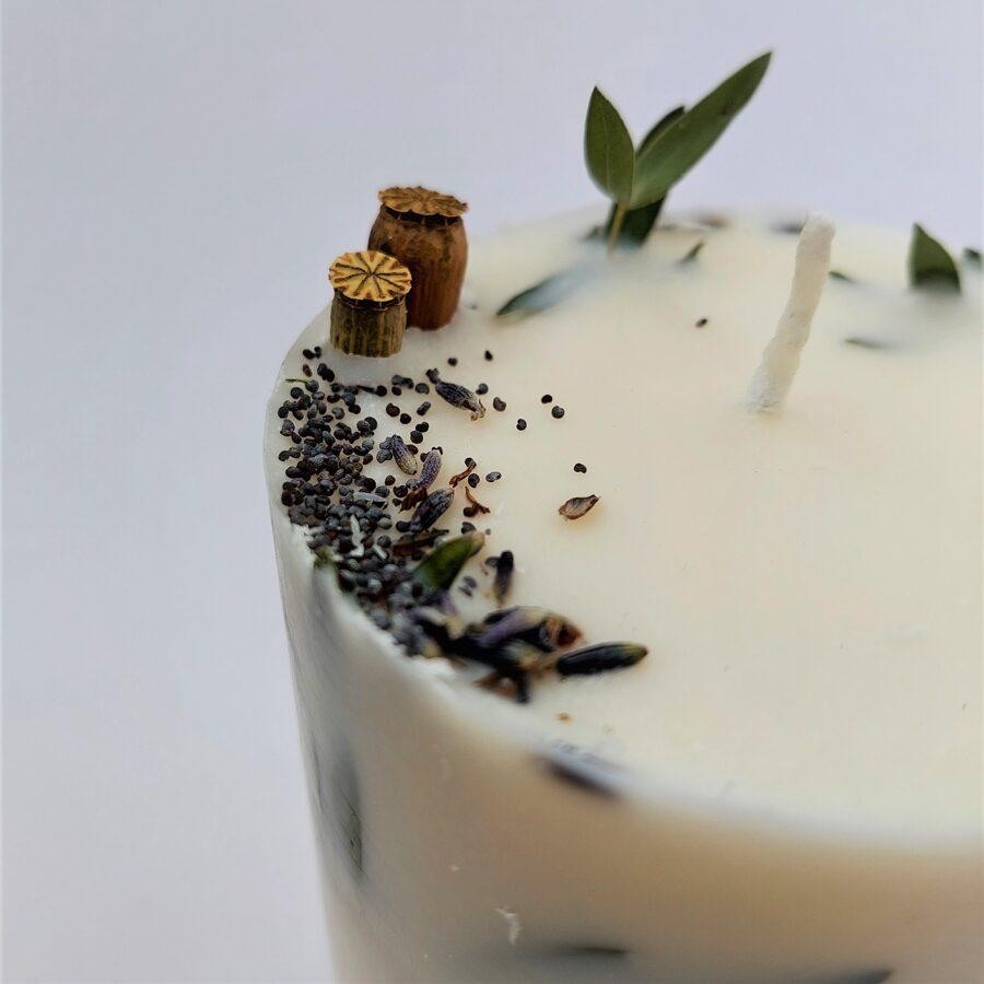 Sojas vaska svece ar augiem un lavandas aromātu - L izmērs