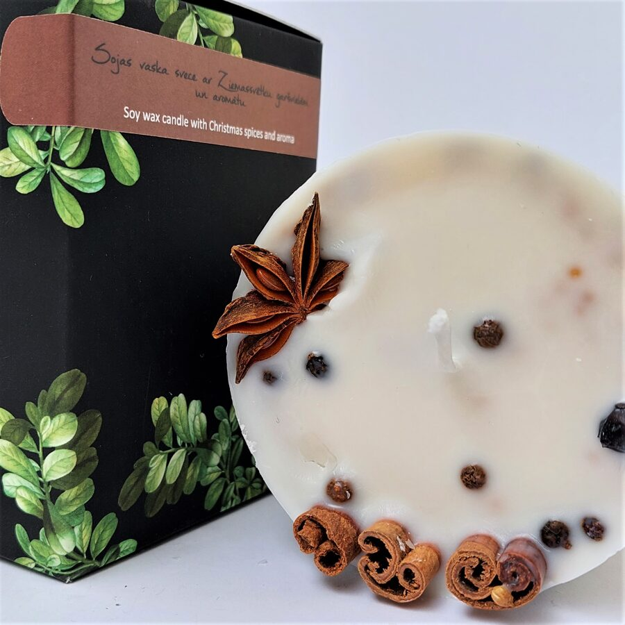 Soy wax candle with Christmas spices and aroma - L size