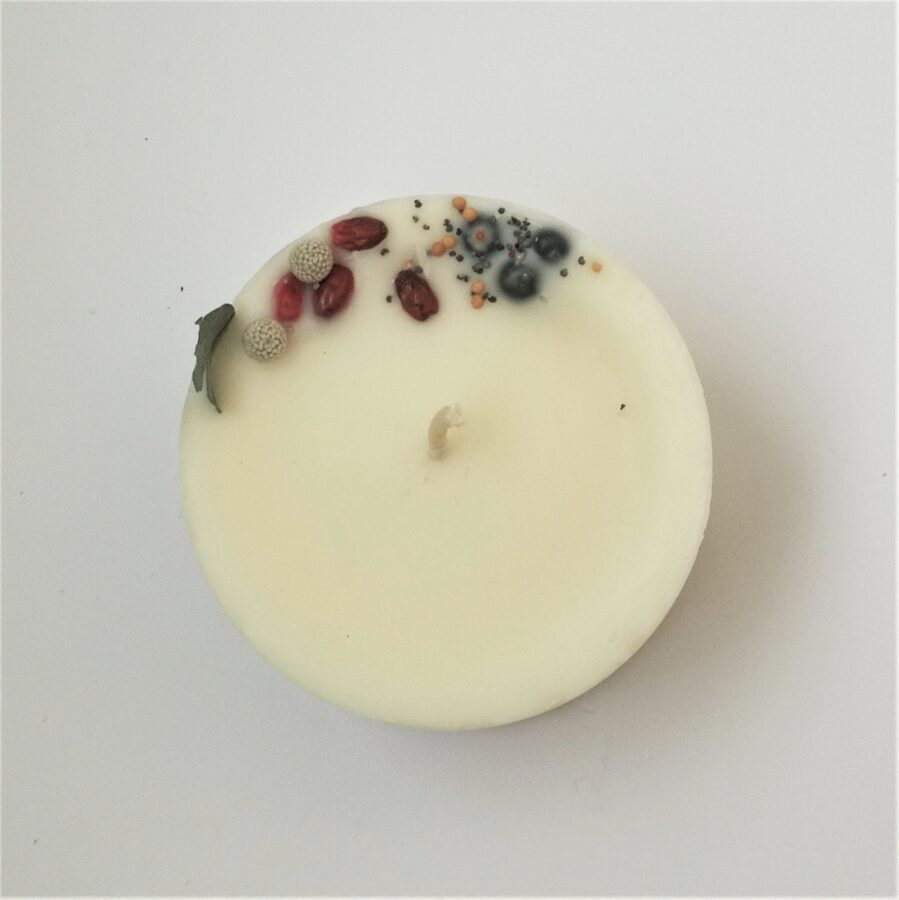 Soy wax candle with herbs and tobacco and oak aroma - S size